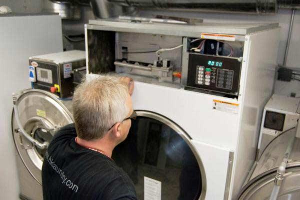 تعمیر لباسشویی دوو در محل توسط مستر امداد