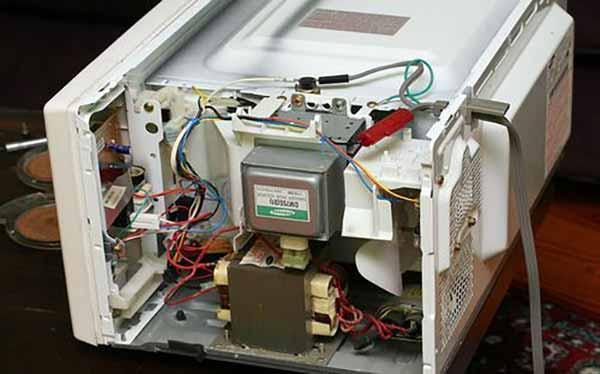 خدمات مجموعه مستر امداد برای تعمیر ماکروفر بوش